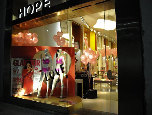 decoracao-loja-hope-dia-dos-namorados-glamour